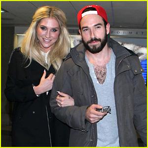 Kesha Lands Back in L.A. After New York Fashion Week