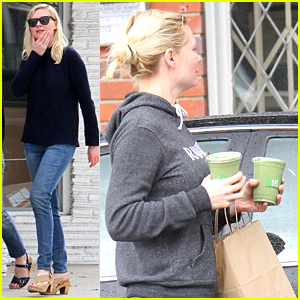 Kirsten Dunst 'Kreates' Some Green Juices for Two