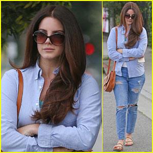 Lana Del Rey Gets Slammed By Musician Kim Gordon