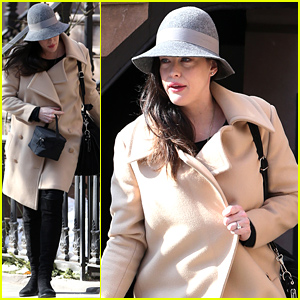 Liv Tyler Steps Out for First Time Since Giving Birth Last Week!