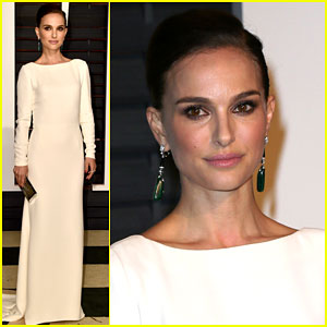 Natalie Portman is White Hot at Vanity Fair Oscar Party