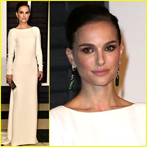 Natalie Portman is White Hot at Vanity Fair Oscar Party