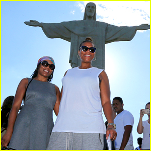 Queen Latifah Visits the Christ the Redeemer Statue in Brazil