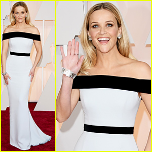 Reese Witherspoon Goes Gorgeous in Tom Ford at Oscars 2015
