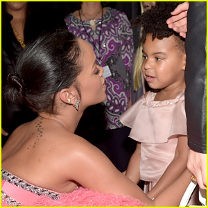 Rihanna & Blue Ivy Carter Share an Adorable Moment at Grammys 2015