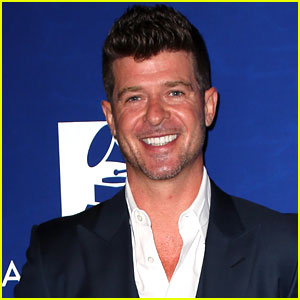 Robin Thicke Brings Down the House at Pre-Grammys' Concert