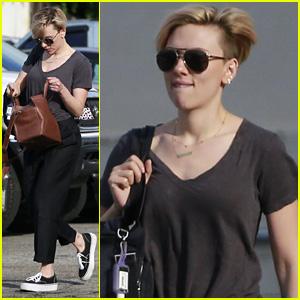 Scarlett Johansson Runs Errands After Clearing Up That John Travolta Oscars Kiss