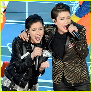 Tegan & Sara's 'Everything is Awesome' Oscars 2015 Performance Video - Watch Now!