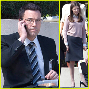 Ben Affleck Rocks Geek-Chic Eyeglasses For 'Accountant' Filming