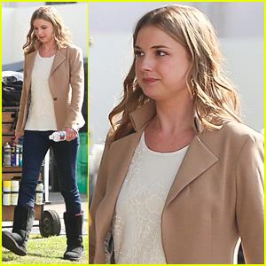 Emily VanCamp Thinks Her 'Revenge' Character Has Nine Lives
