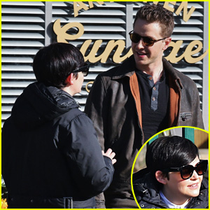 Ginnifer Goodwin & Josh Dallas Chat It Up on 'OUAT' Set