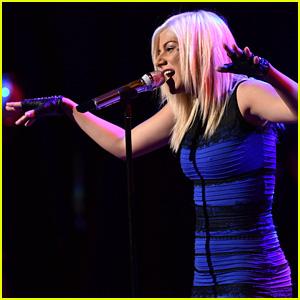 'American Idol' Contestant Jax Wears the Blue & Black Dress!