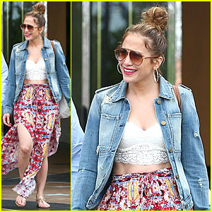 Jennifer Lopez Flashes Rock Hard Abs During Weekend Shopping Trip