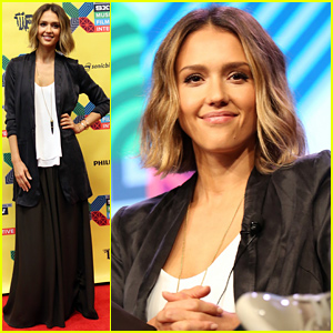 Jessica Alba Shows Off Her New Bob Haircut During Honest Discussion at SXSW