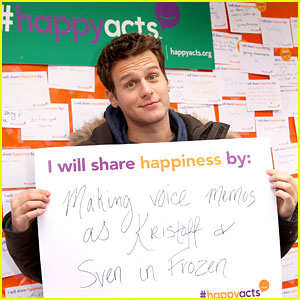 Jonathan Groff is 'Really Wonderful' in Kissing Scenes According to His 'Looking' Co-Star