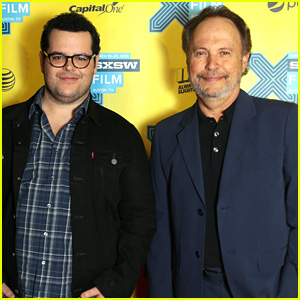Josh Gad & Billy Crystal Promote 'The Comedians' at SXSW