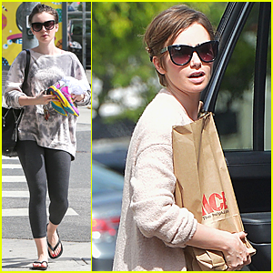 Lily Collins Works Out Her Body Amid Chris Evans Dating Rumors