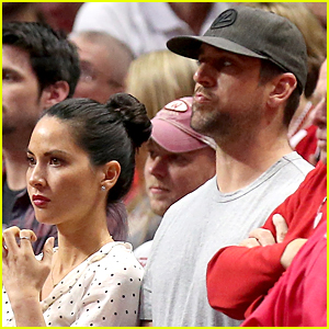 Olivia Munn & Aaron Rodgers Cheer On Wisconsin Badgers During NCAA Game