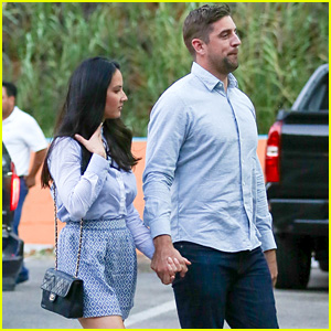 Olivia Munn & Aaron Rodgers Hold Hands & Match for Dinner