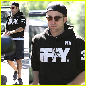 Robert Pattinson Looks Calm & Cool After FKA twigs Bared Pregnant Body