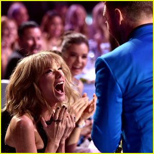 Taylor Swift & Justin Timberlake Freak Out Over Her iHeart Win! (Video)