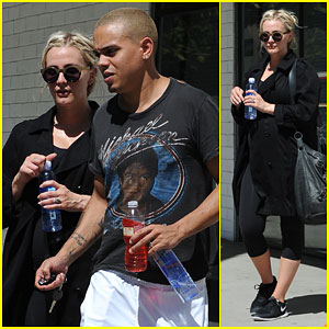 Pregnant Ashlee Simpson Heads to the Gym as Her Due Date Gets Closer