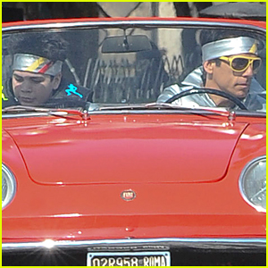 Ben Stiller & Cyrus Wear Matching Headbands For 'Zoolander 2' Car Scenes