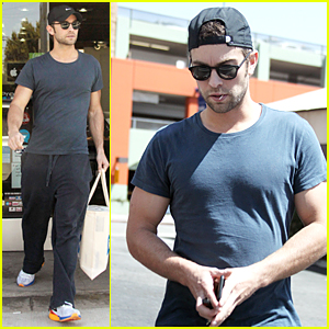 Chace Crawford Drops By Apple Store After 'Boom' Casting News