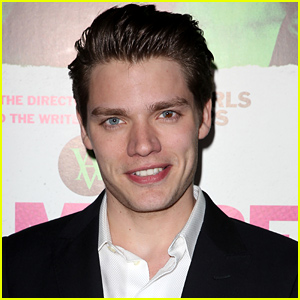 Dominic Sherwood Lands Lead in ABC Family's 'Shadowhunters' Series