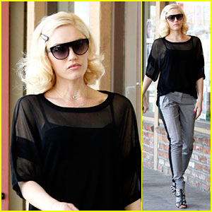 Gwen Stefani Brings Her Style A-Game to Her Appointment