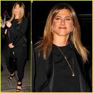 Jennifer Aniston Checks Out 'Fish in the Dark' on Broadway