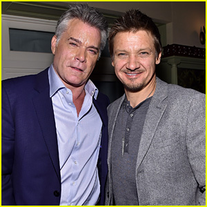 Jeremy Renner Joins Robert De Niro at 'Goodfellas' 25th Anniversary Screening for TIFF Closing Night