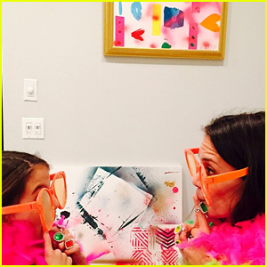 Katie Holmes & Daughter Suri Play Dress Up in These Cute Pics!