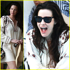 Liv Tyler Hangs Out Poolside With Dave Gardner