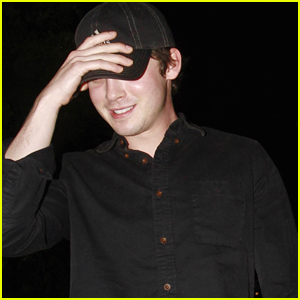 Logan Lerman Dines Out With Family After Sarah Gadon Joins '11/22/63'