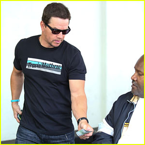 Mark Wahlberg Gives $100 to Homeless Man in a Wheelchair