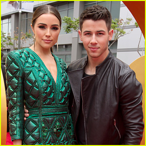 Nick Jonas Brings Girlfriend Olivia Culpo to RDMAs 2015