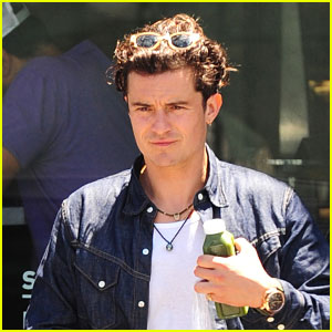 Orlando Bloom Keeps Healthy While Out in Miami