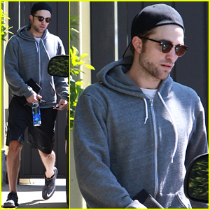 Robert Pattinson Steps Out After All Those FKA twigs Engagement Rumors