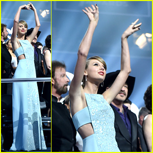 Taylor Swift Shows Off Her Signature Dance Moves at ACM Awards 2015