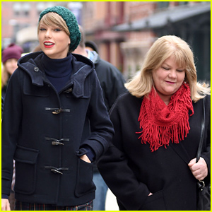 Taylor Swift's Mom Andrea Diagnosed with Cancer