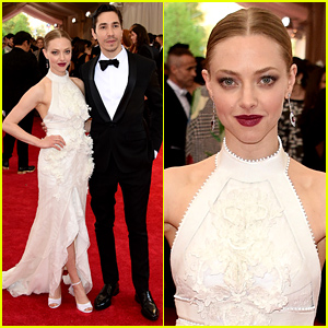 Amanda Seyfried & Justin Long Are Picture Perfect at Met Gala 2015