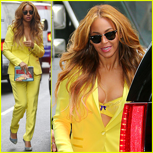Beyonce Flashes Sexy Yellow Bra in the Big Apple