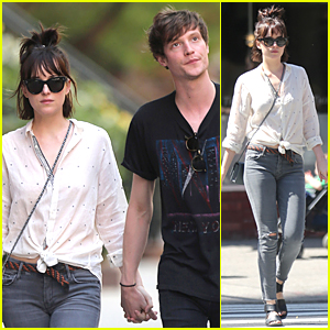 Dakota Johnson & Matthew Hitt Hold Hands For All to See in New York City!
