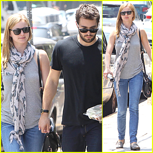 Emily VanCamp & Josh Bowman Are Still Going Strong!
