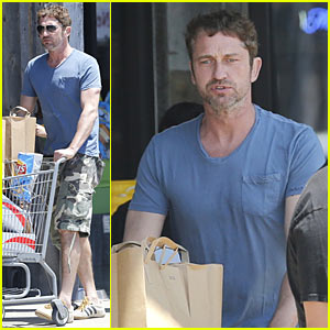 Gerard Butler Wraps Up Weekend By Stocking Up on Groceries
