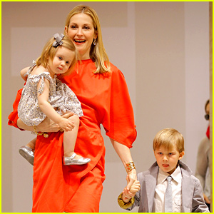 Kelly Rutherford Finally Granted Sole Custody of Her Kids