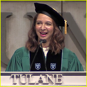 Maya Rudolph Does Hilarious Beyonce Impersonation at Tulane University -  Watch Now!