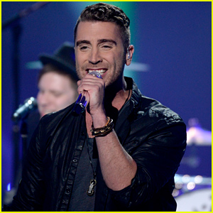 Nick Fradiani's 'American Idol' Finale Performances (Video)