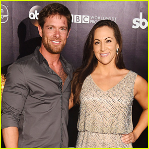 Soldier Noah Galloway Proposes to Girlfriend Jamie Boyd Live on 'Dancing with the Stars'!